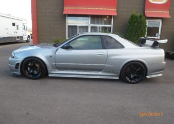 1999 Nissan GT-R Vspec side damage